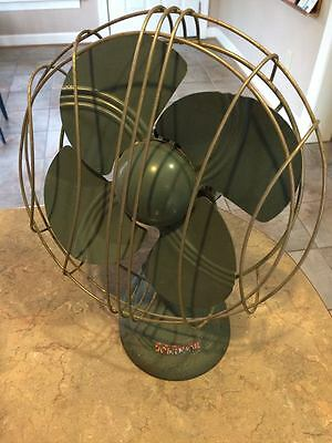 Vintage Midcentury Dominion Electric Cast Iron Green Table Desk Fan Model #2012