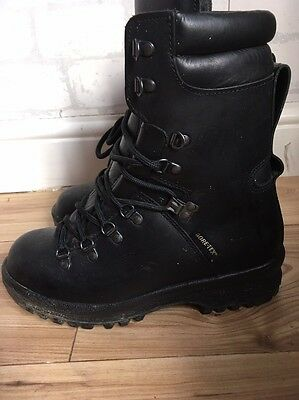 GORETEX Women's Size 6 Black Combat Military Boots Vibram Sole  L4453