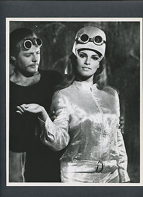 Raquel Welch - 1966 Shout Loud, Louder... I Don't Understand - Nice Photo
