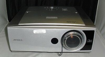 Toshiba TDP-TW350 Wireless Projector DLP Lamp hours 965