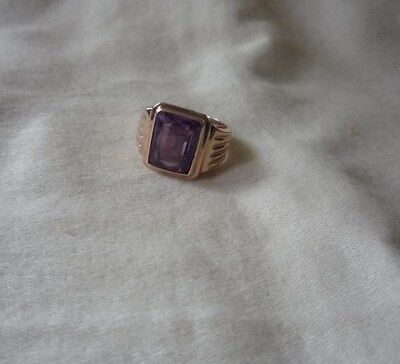 Vintage 14kt gold ring created Alexandrite