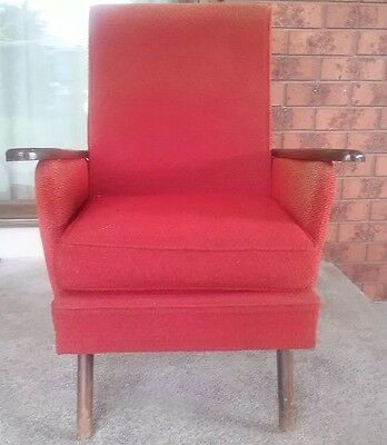 VINTAGE - ARM CHAIR - LATE 1950s EARLY 1960s - RETRO