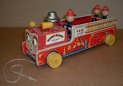 WINKY BLINKY FIRE TRUCK 200 Old Fisher Price Toy Works Complete Vintage
