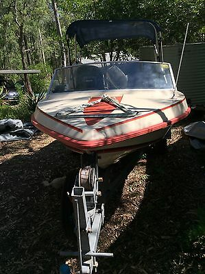 Runabout Speedboat With Evinrude 55 Motor