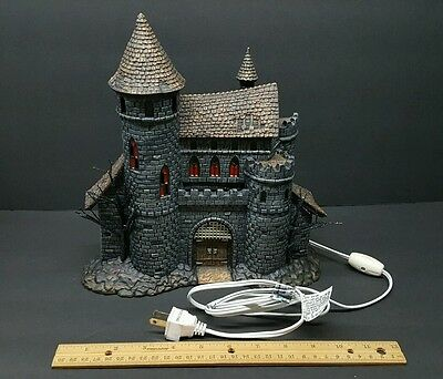 Universal Studios MONSTERS Department 56 Dracula's Castle Lights Up CASTLE ONLY