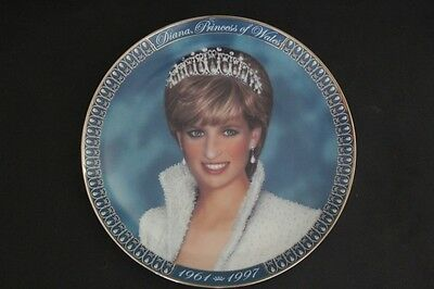 A tribute to Princess Diana  plate from The FRANKLIN MINT.  No. DD/2 565.