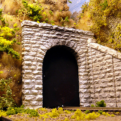 Chooch #9740 – Single Cut Stone Tunnel Portal (2) – N scale