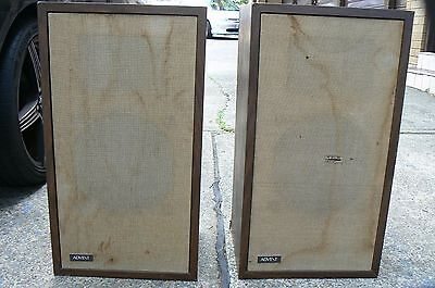 Rare Advent Vintage Speakers (set 2). Good working condition.