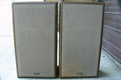 Rare Advent Vintage Speakers (set 3). Good working condition.