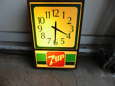 1970s Seven 7 Up Soda Electric Lighted Store Logo Wall Clock Sign Works Good