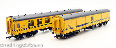 Bachmann Oo Gauge Pair Of Permanent Way Mk1 Coaches