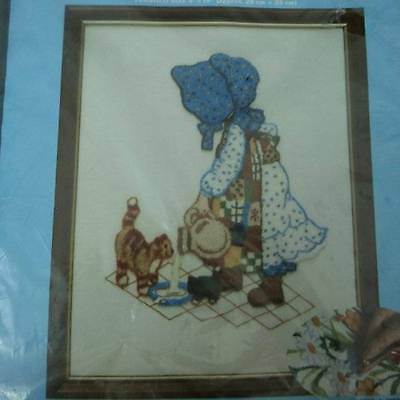 "VTG 1980 Holly Hobbie with Kittens Needlepunch Embroidery 8"" X 10"" Paragon 5104"