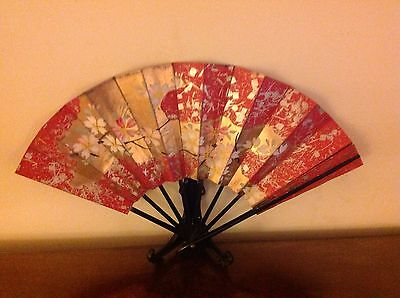 Collectable Hand Painted Oriental  Fan