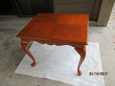 oak table very nice condition