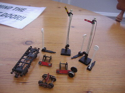 Mix Of Oo Gauge Items,buffers/signals/others