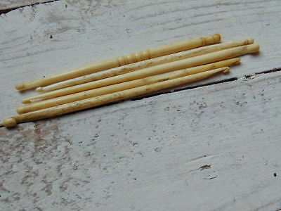 5 x VINTAGE SEWING CROCHURING CROCHURE HOOK 19th CENTURY VICTORIAN HAND CARVED