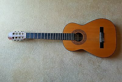 Admira Clasico Acoustic Guitar, Student Size (With Gig Bag)