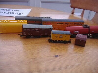 Mixture Of Ho Wagons,spares Or Repair