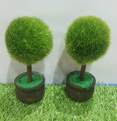 Dolls house - pair of trees/topiary