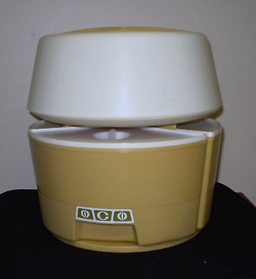 Rubbermaid Vintage 9 pc. Carousel Canister Set/1960-1970/Goldenrod