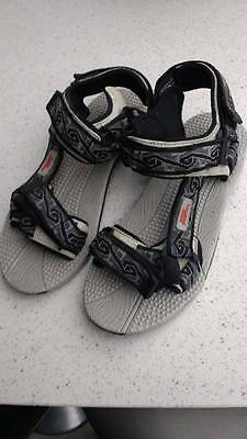 No Fear mens sandles with velcro straps  size 9 NEW