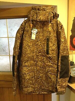 waterproof padded fishing jacket and trousers large new with tags