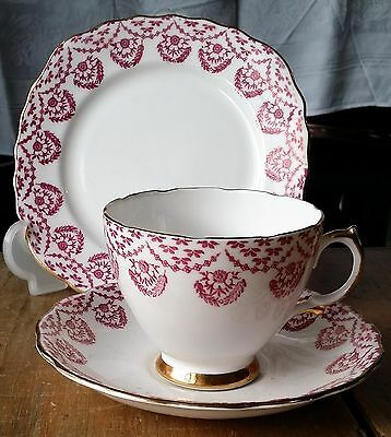 Vintage Royal Vale Puce Flowers Decoration Cup, Saucer, Side Plate Trio