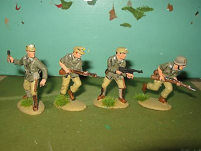 4 X German Infantry North Africa 1941 Ww2,  1/32Nd Painted Soldiers