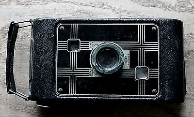 Vintage 1933-1937 Kodak Jiffy six-20 Camera with quite rare leather(?) case.
