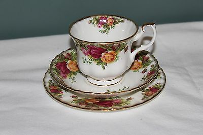 Royal Albert Old Coutry Roses Trio