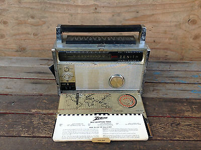 Vintage Zenith Trans-Oceanic FM-AM Multiband Radio, Royal 3000-1 with Maps