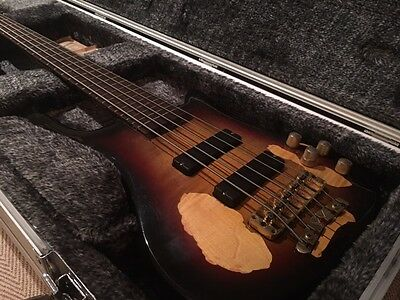 Warwick Streamer Standard Stage 1 5-string Bass Guitar with Hard Case