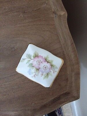 Hammersley pretty china vintage small box (with lid which lifts off)