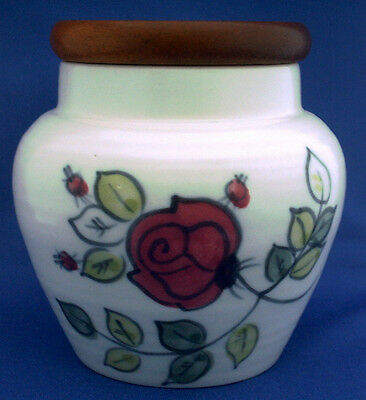 Ben Thomas Of Hornsea. Storage Jar. Wooden Lid . 5 Inches Tall. Rose Pattern