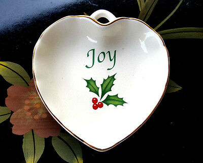 Lenox Holiday Heart Dish Joy No. 841645 4.25in W x 4.5in L