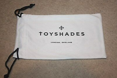 New Toy Shades Sunglasses Glasses Eyewear Pouch Bag Lens Cloth, white black