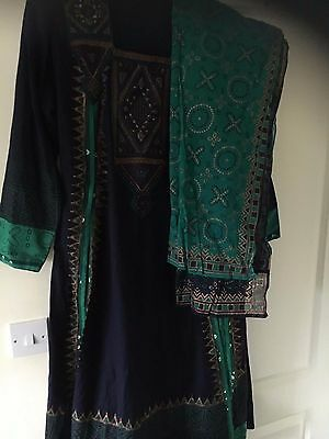 Indian saree suit - size S to M - excellent condition