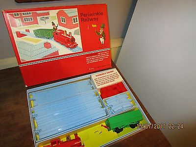 Vintage 1960s Triang M1001 Periwinkle Railway - Triang Periwinkle Train set