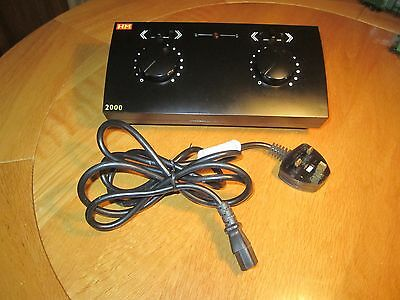 Hornby Hm2000 R8012 Dual Track Power Controller. Spares Or Repairs.