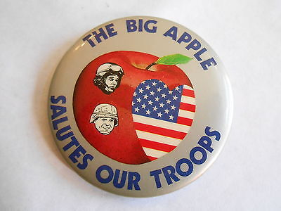 Cool Vintage The Big Apple Salutes Our Troops NYC Military Support Pinback