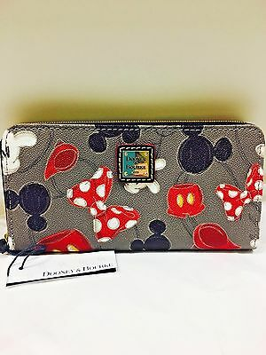 New Disney Dooney & Bourke Body Part Mickey & Minnie Mouse wallet
