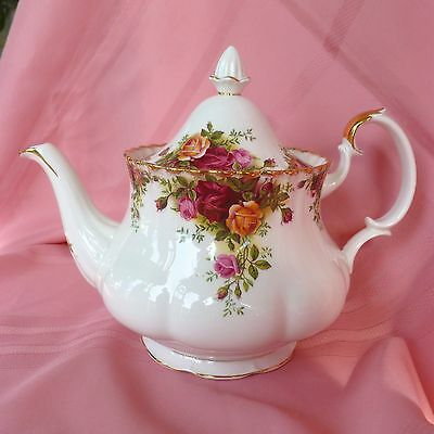 LARGE~Vintage~1st~Quality~c1962~Royal~Albert~Old~Country~Roses~English~Teapot