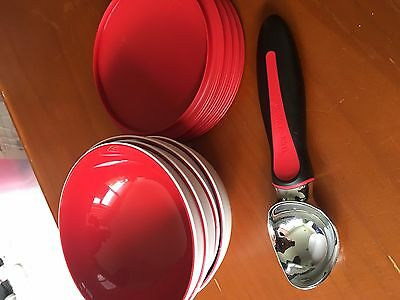 Tupperware Ice Cream Scoop Black/Red with red bowls and lids, new - never used