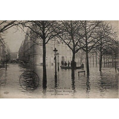 [75] Paris - Crue de la Seine. Avenue Montaigne.