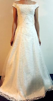 New White Bridal Gown (size 6 - 14)