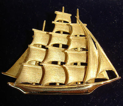 Vintage 18ct Gold Clipper Sailing Ship Necklace Pendant or Brooch 12.4g Boxed