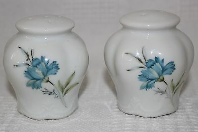 Salt and Pepper Shakers White with Blue Flowers Inarco Japan E-4775