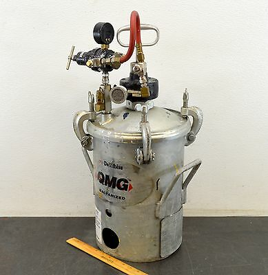 Devilbiss Qmg-502 Pressure Tank Paint Pot W/ Regulator Gast Agitator Mixer