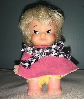 "Vintage 1965 Uneeda Doll Co. 3.5"" Baby PeeWee Drink and Wet Doll"