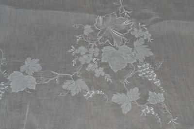 Vintage Madeira Organdy Linen White Hand Embroiderd Appliq Tablecloth 120 x 66